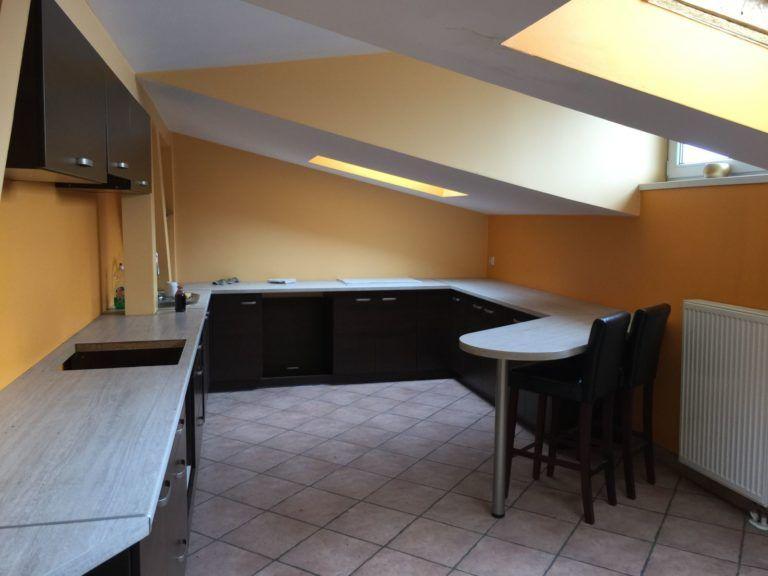 kuchnia na poddaszu przed remontem