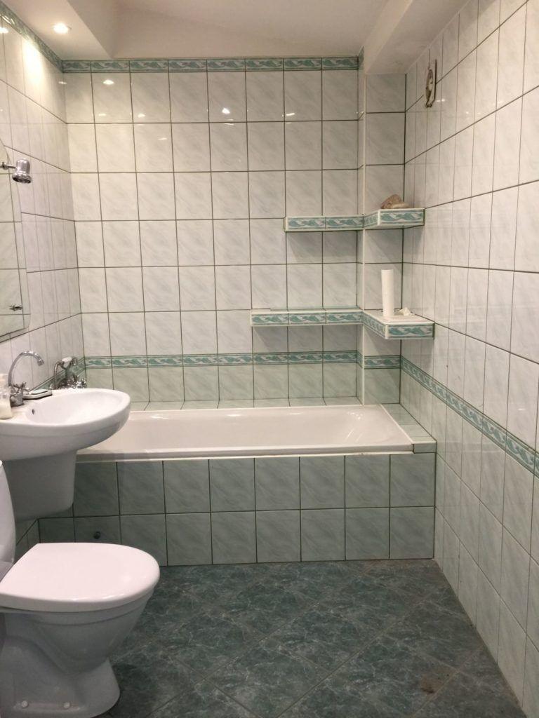 łazienka do remontu w mieszkaniu inwestycyjnym we Wrocławiu