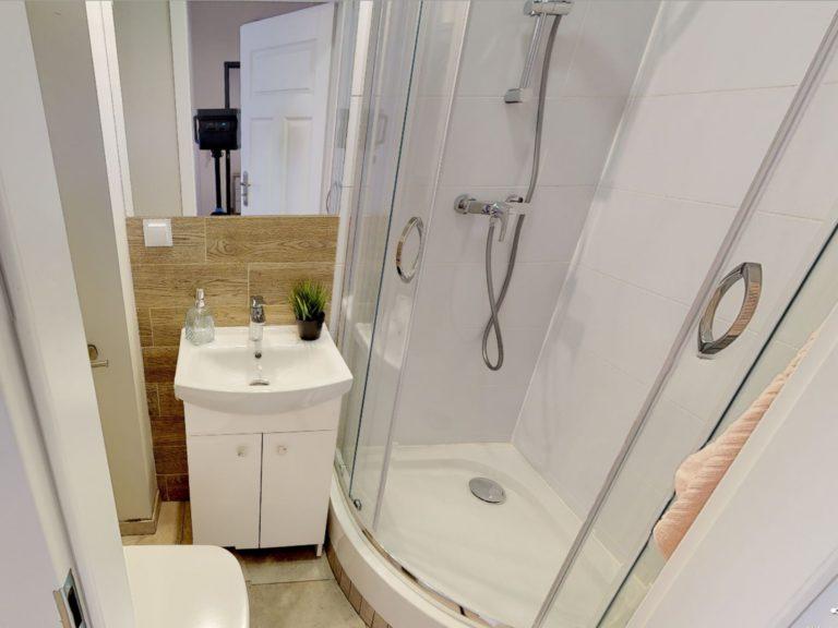 łazienka w gotowcu inwestycyjnym w Gdyni