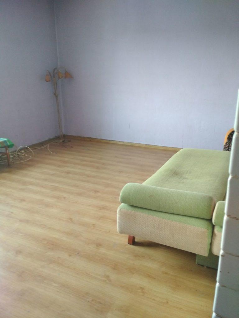panele podłogowe w mieszkaniu pod inwestycje
