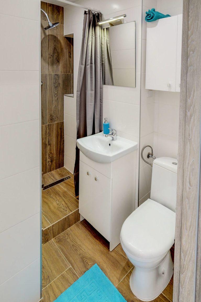 mała łazienka w gotowcu inwestycyjnym w gdańsku