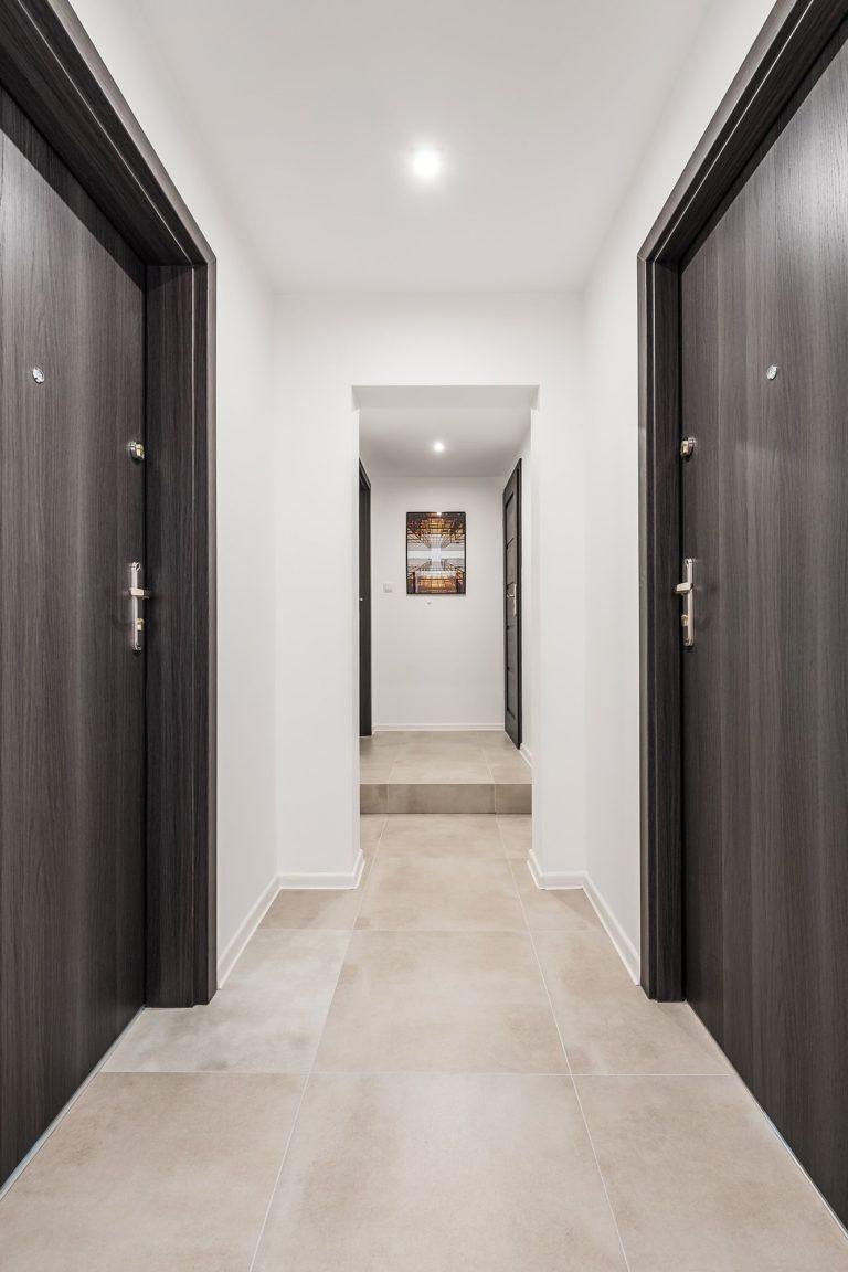 korytarz w mieszkaniu na wynajem w gdańsku