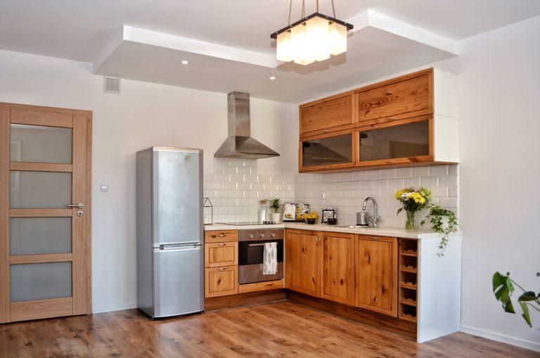 aranzacja kuchni w mieszkaniu na wynajem