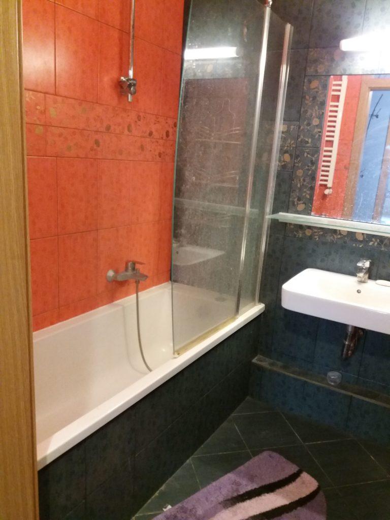 łazienka przed aranżacją wnętrza i home stagingiem