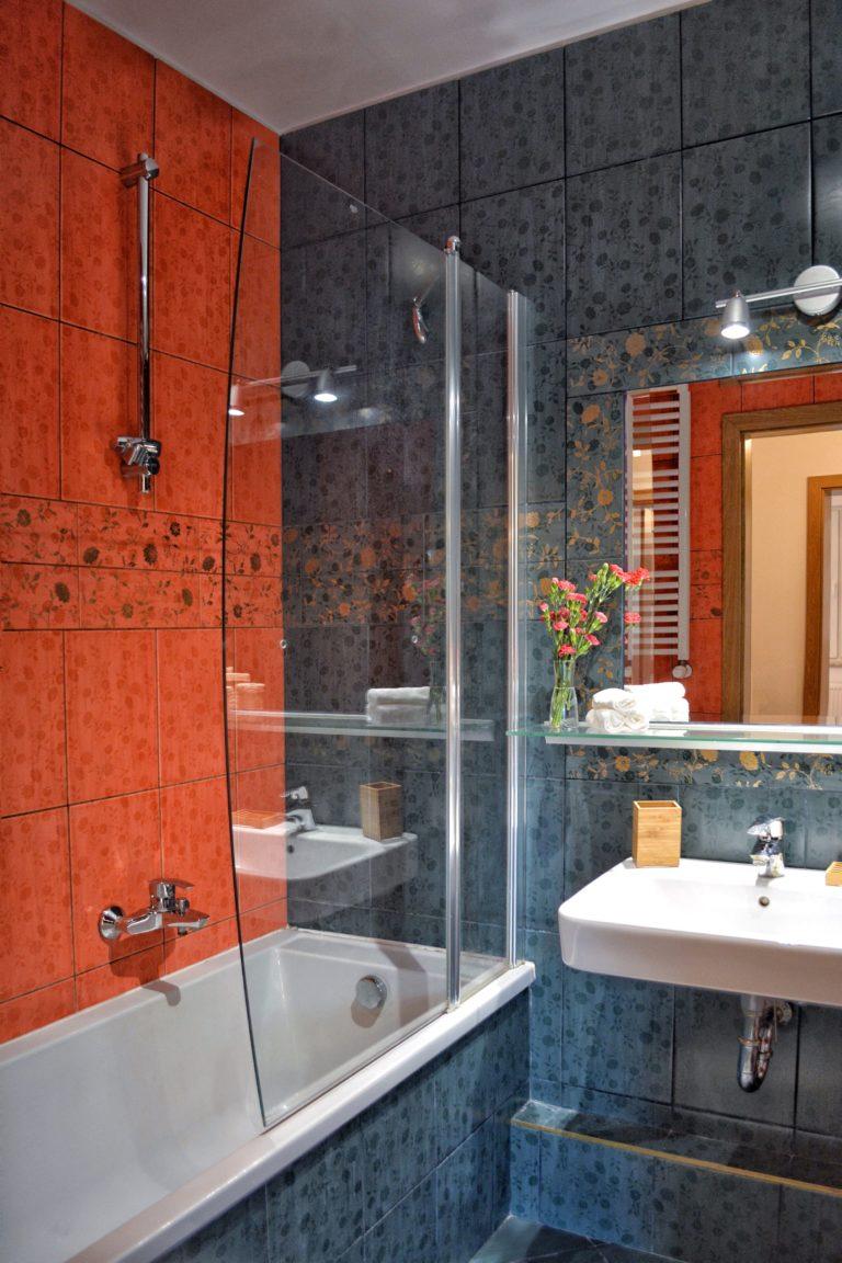 aranżacja łazienki w mieszkaniu inwestycyjnym