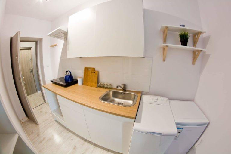 zdjęcie kuchni w mikrokawalerce